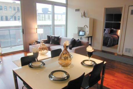 910-w-huron-mondial-chicago-river-west-apartments-1