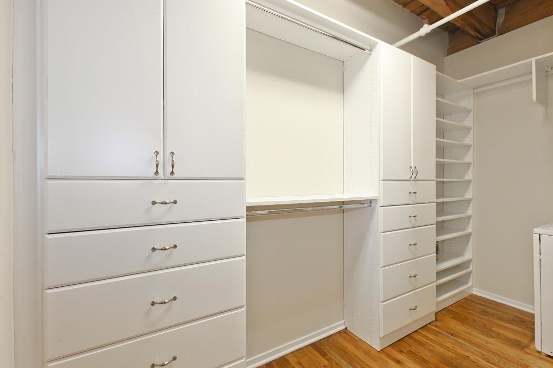 515-noble-modern-loft-closet